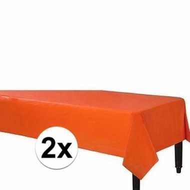2x plastic tafelkleed oranje 140 x 240 cm