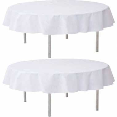 2x witte bruiloft tafeldecoratie versiering rond stoffen tafelkleed 2