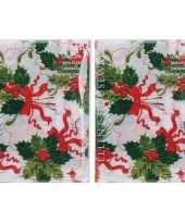 2x kerst thema tafelkleed wit met hulsttakken 180 x 130 cm