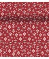 Feestartikelen kerst rode witte tafelkleden tafellopers placemats met sneeuwvlokjes print 40 x 480 cm